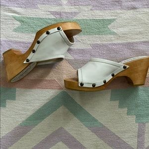VINTAGE LEATHER CLOG SANDALS